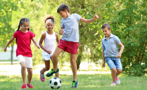 kids-learning-the-importance-of-team-building