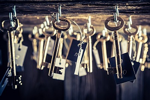 a lot of keys that are involved in the kinds of puzzles in escape rooms